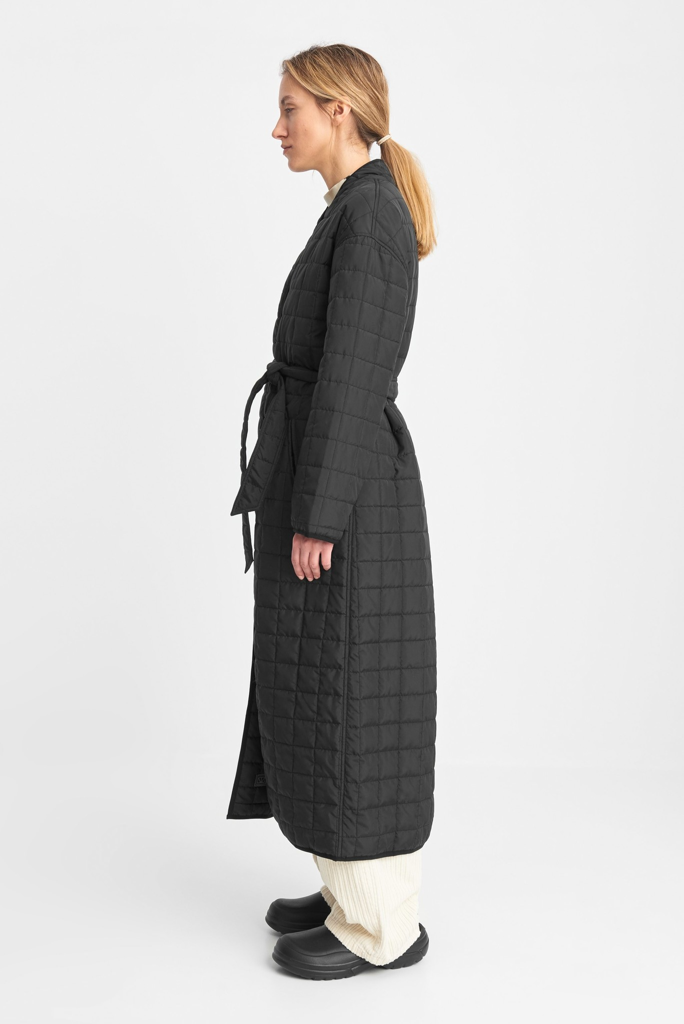 Lila Long Quilted Oversized Coat Black-3