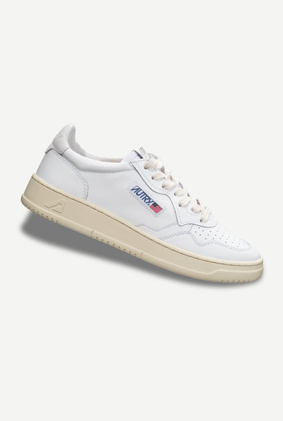 Medalist 01 Low Leather Nubick White Men