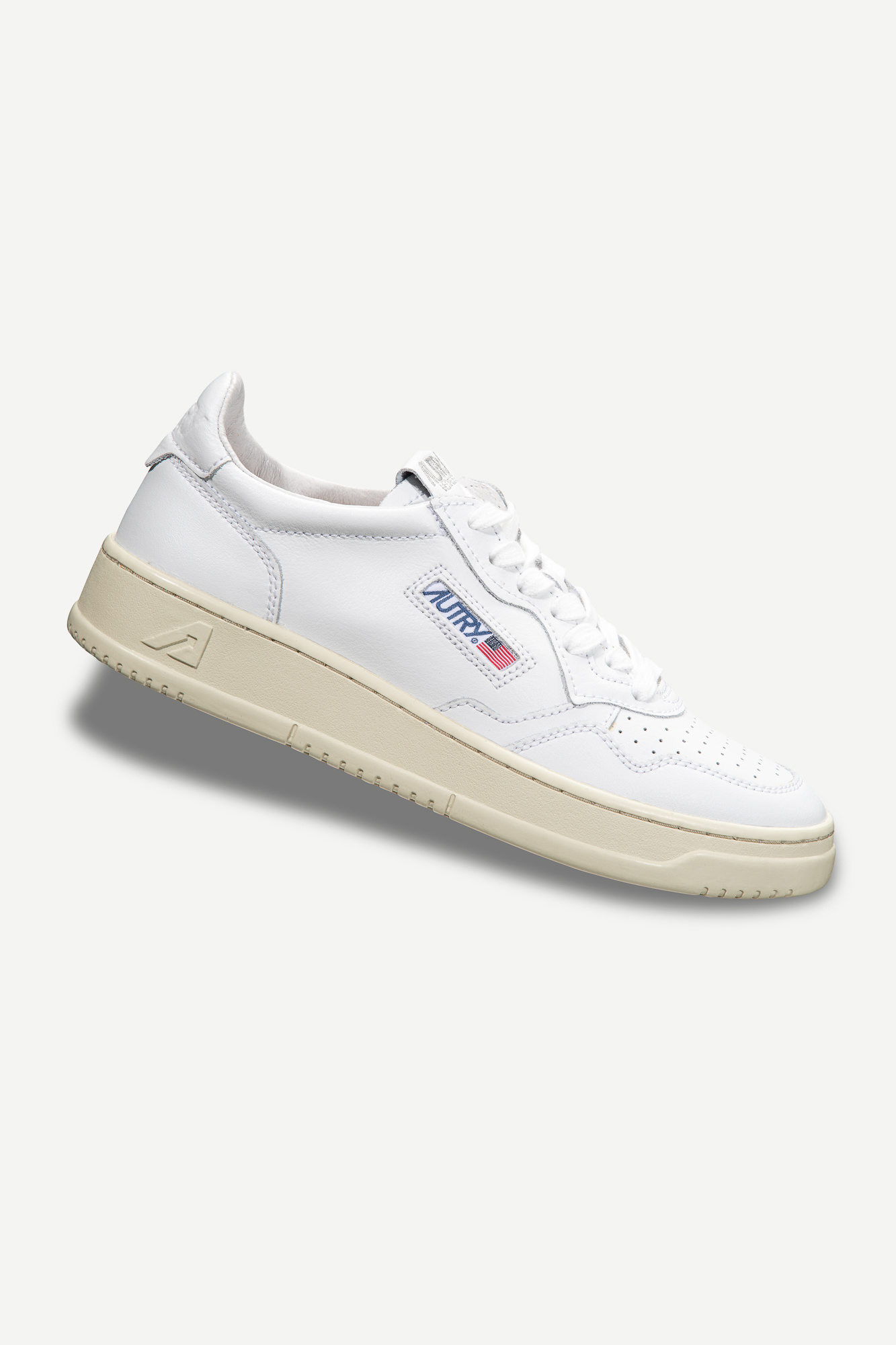 Medalist 01 Low White Leather Women-1