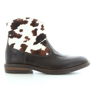 Billy boots cow