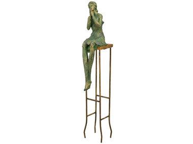 Exner Vrouw op stoel, sereen