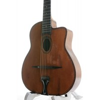 Busato Oval Hole Medium model ca. 1943