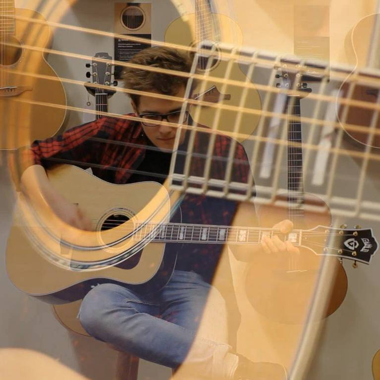 The Guild D-55 at The Fellowship of Acoustics! - The