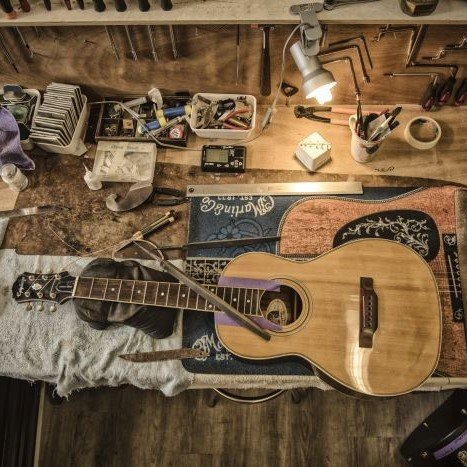 Proper Winter Guitar Care and Maintainence