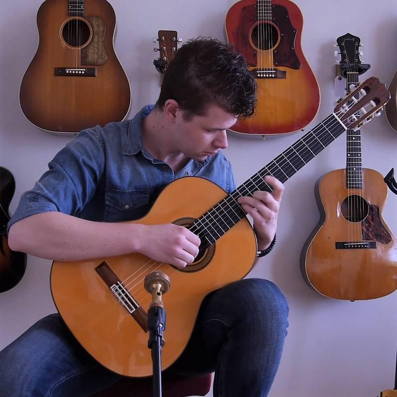 #1 Cedar vs. Spruce on Classical Guitars!