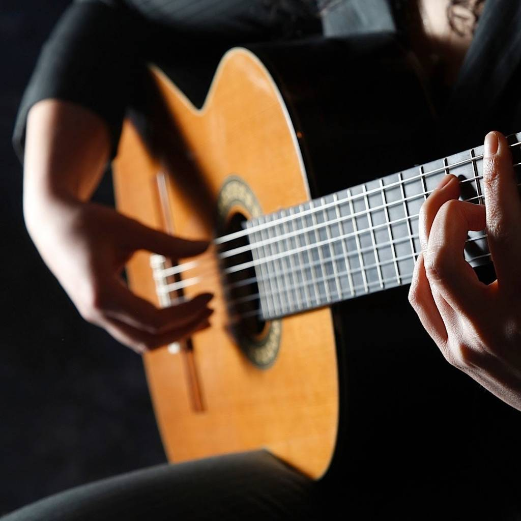 #5 Difference Flamenco Guitar and Classical Guitar