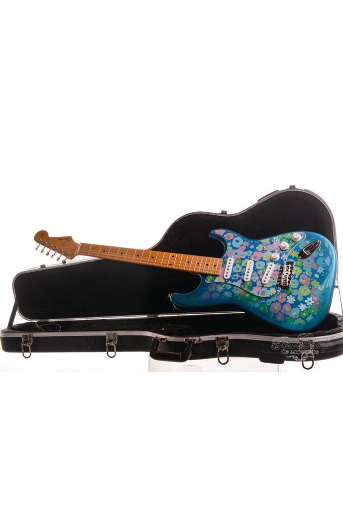 Fender Japan Stratocaster '69 Reissue Blue Flower Limited 1993 Abigail Ybarra pickups