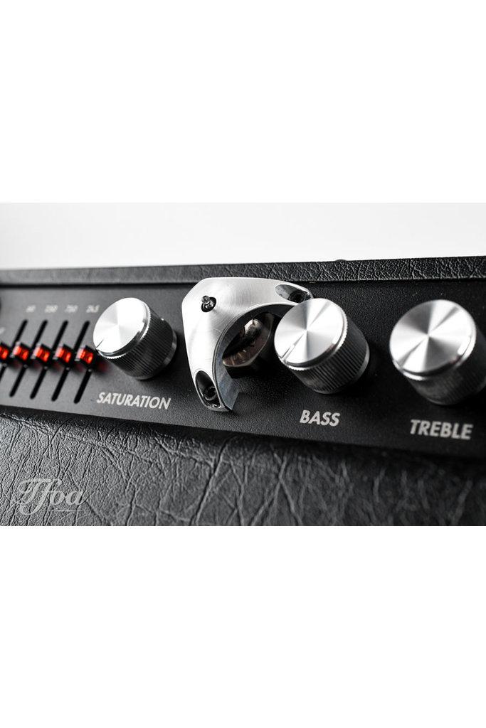 Henriksen Amps the Forte