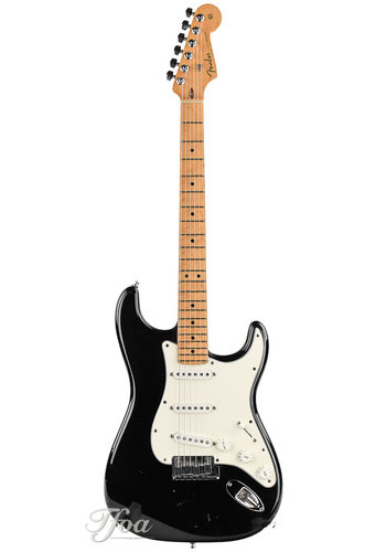 Fender Custom Fender Custom Classic Stratocaster V Neck Maple Fingerboard Black 2001