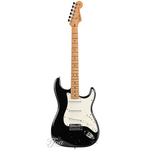 Fender Custom Fender Custom Classic Stratocaster V Neck Maple Fingerboard Black 2001