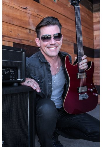 Suhr 21-09-2019 | Pete Thorn: Small Rig, Huge Tones!