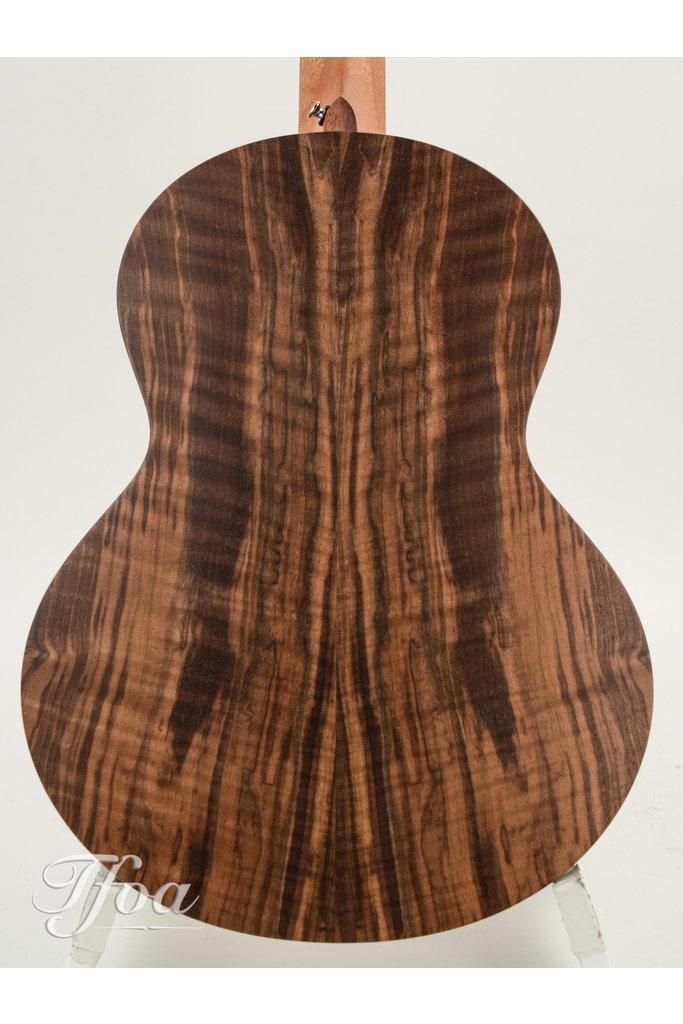 Sheeran S01 Walnut Cedar