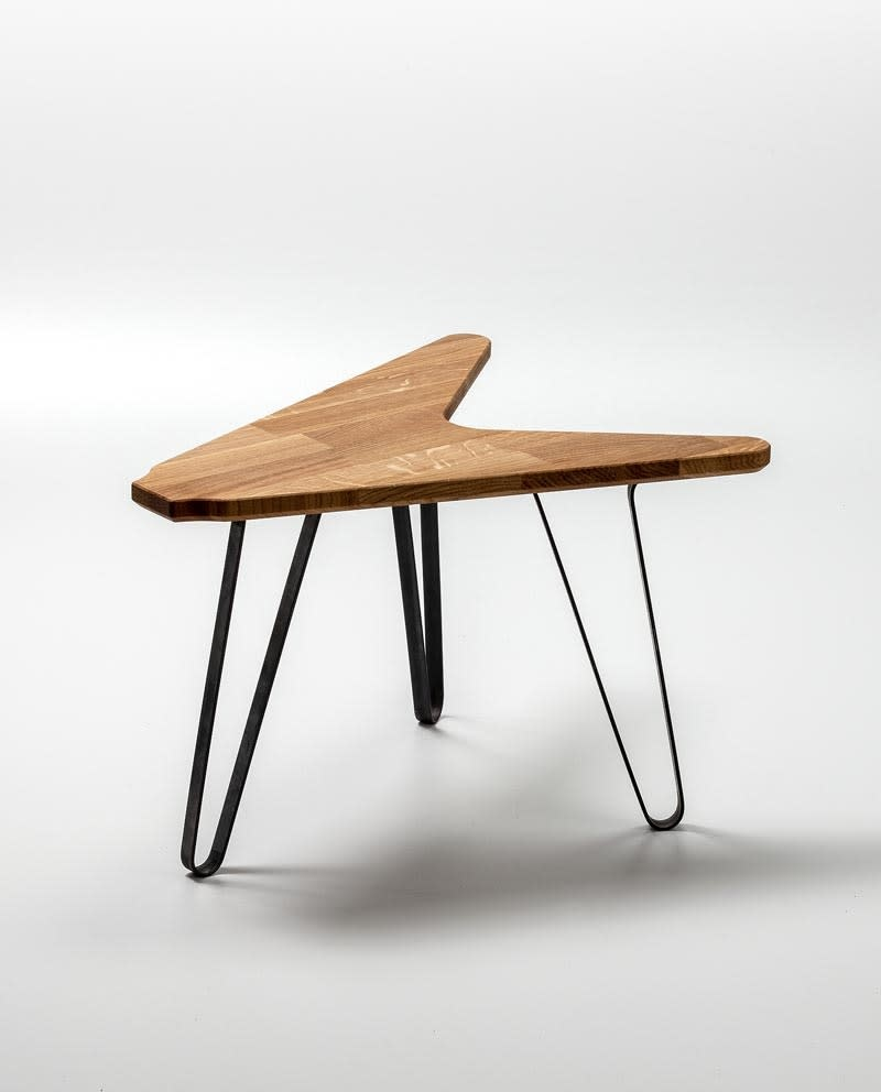 Ruwdesign Solid Oak Guitar Side Table The V