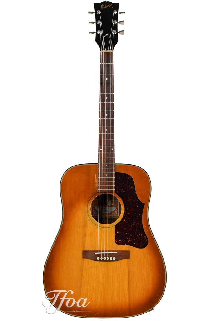 Gibson J45 Deluxe Sunburst 1974