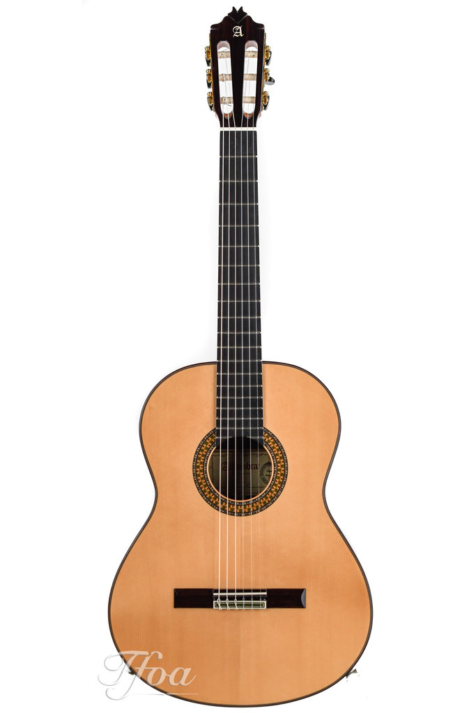 Alhambra 9P-A Spruce Top