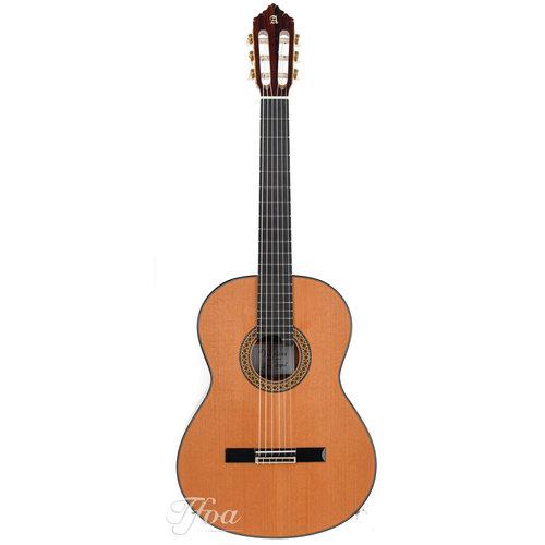 Alhambra Alhambra Premier Pro Exotico Cedar Concert guitar