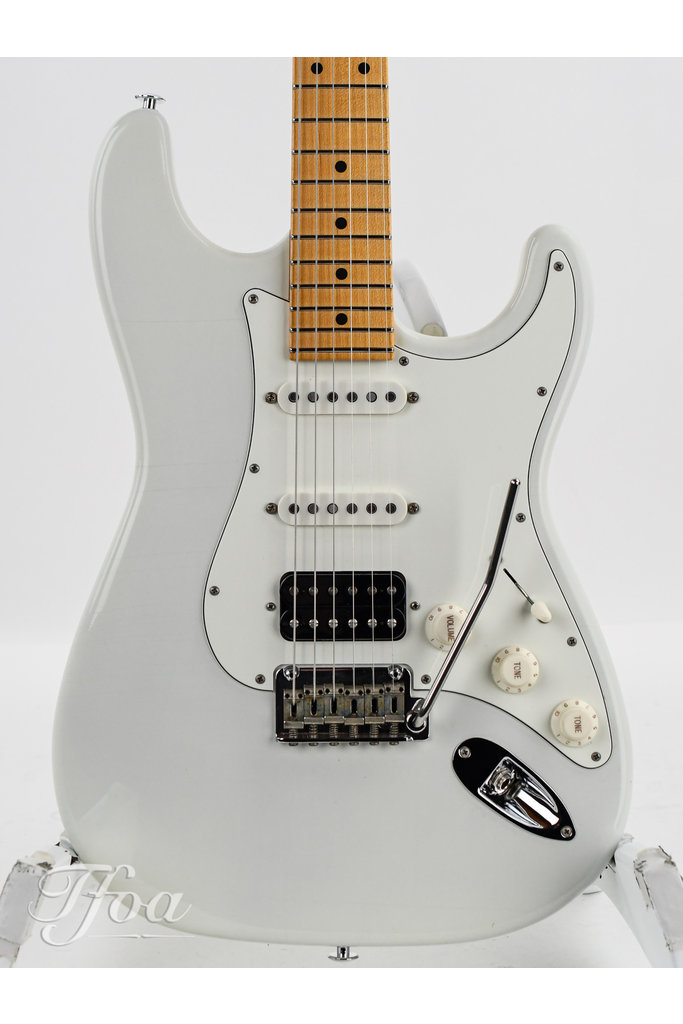 Suhr Classic S Antique Maple Neck HSS Olympic White