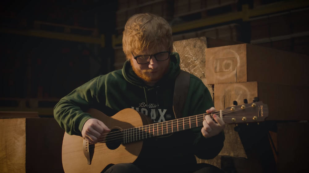 What guitar does Ed Sheeran play?