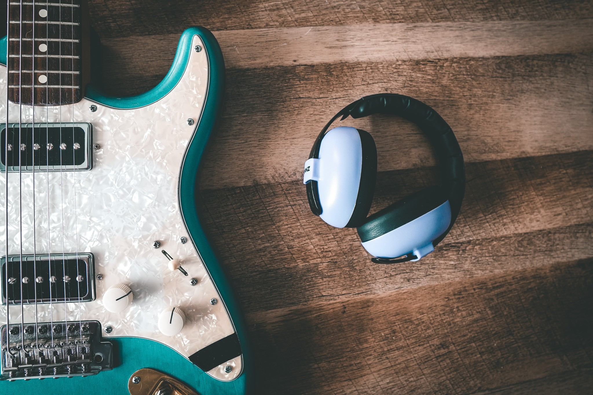 Five podcasts every guitarist should listen to!