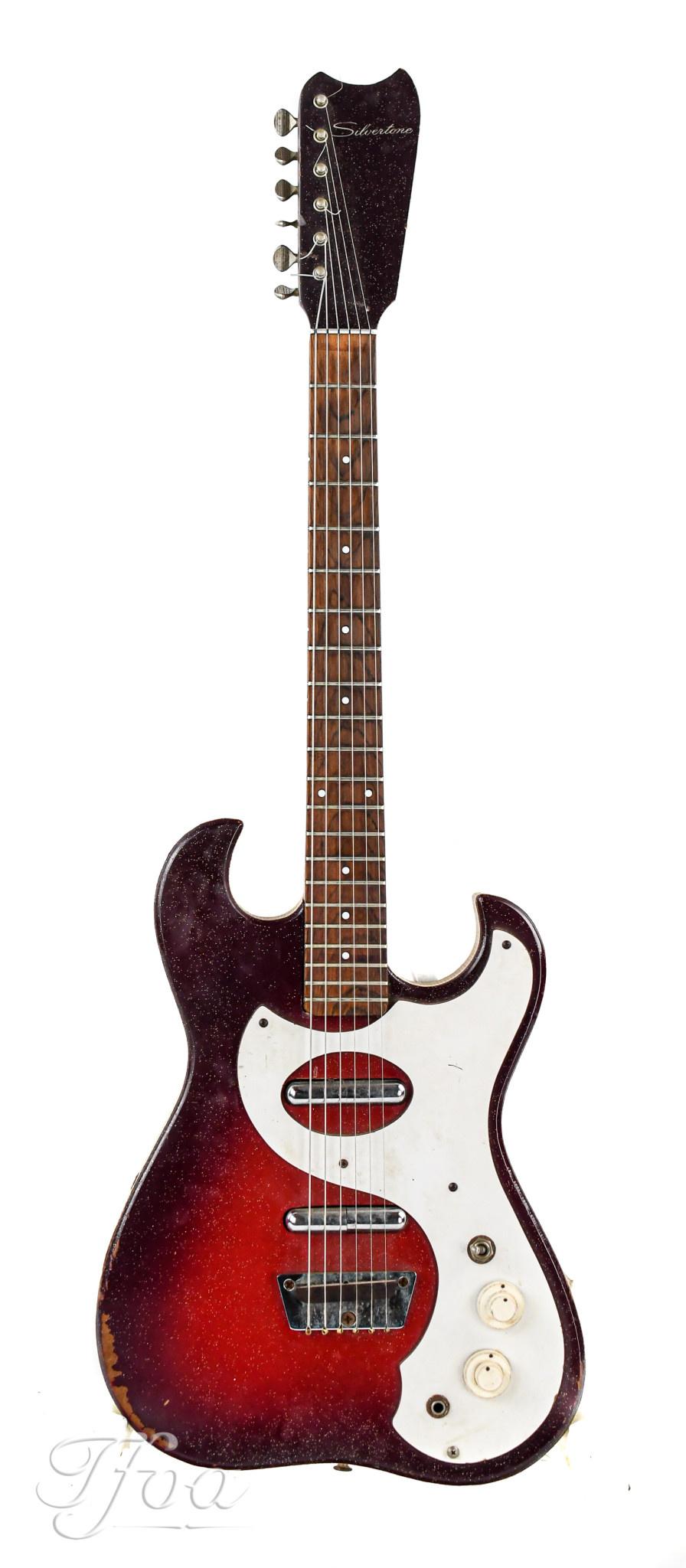 Silvertone 1457 w/ Amp in Case 1965