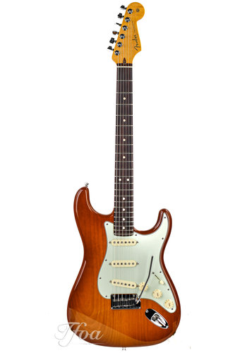 Fender Custom Fender Custom Deluxe Stratocaster Honey Burst 2010