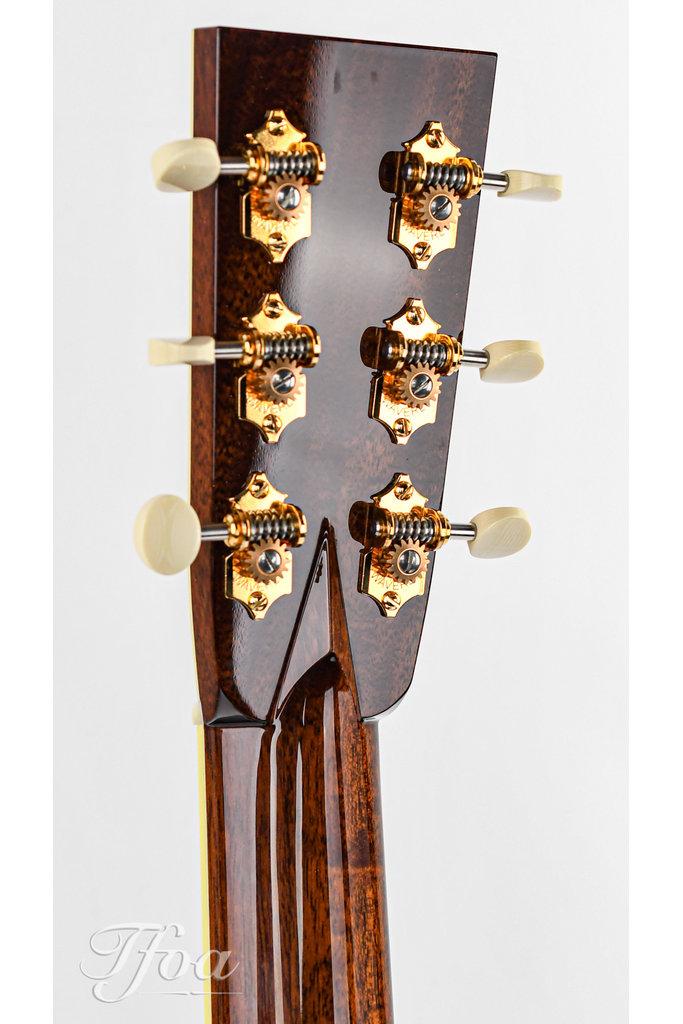 Collings OM42 Custom Indian Rosewood Baked Sitka Black Top