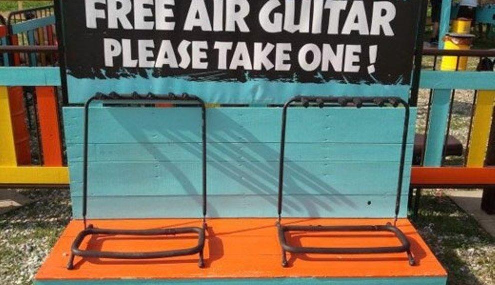 Gratis luchtgitaren... en acht andere Gitaargrappen!