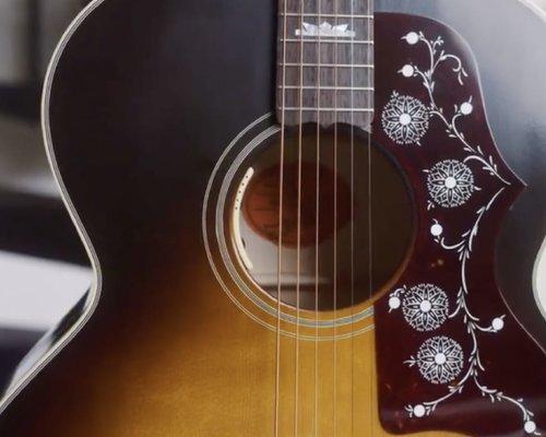 Gibson SJ150 Noel Gallagher Signature Model