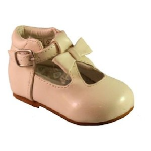 Sevva: Cream Spanish shoe with bow