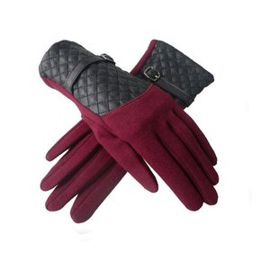 Quilted Buckle Strap Gloves