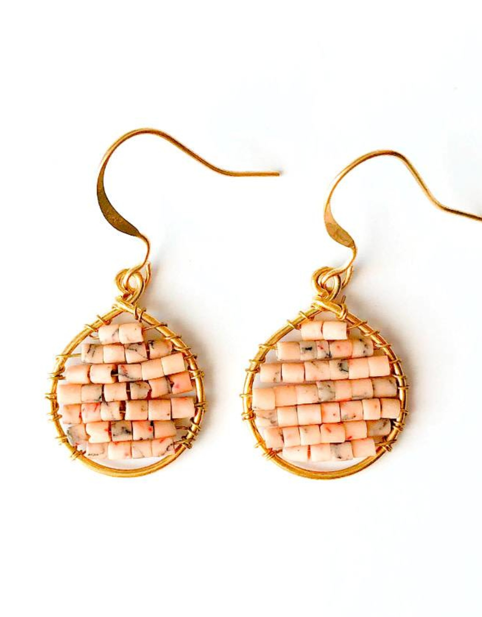 Hinth Oorbellen Lek goldframe-speckels soft pink
