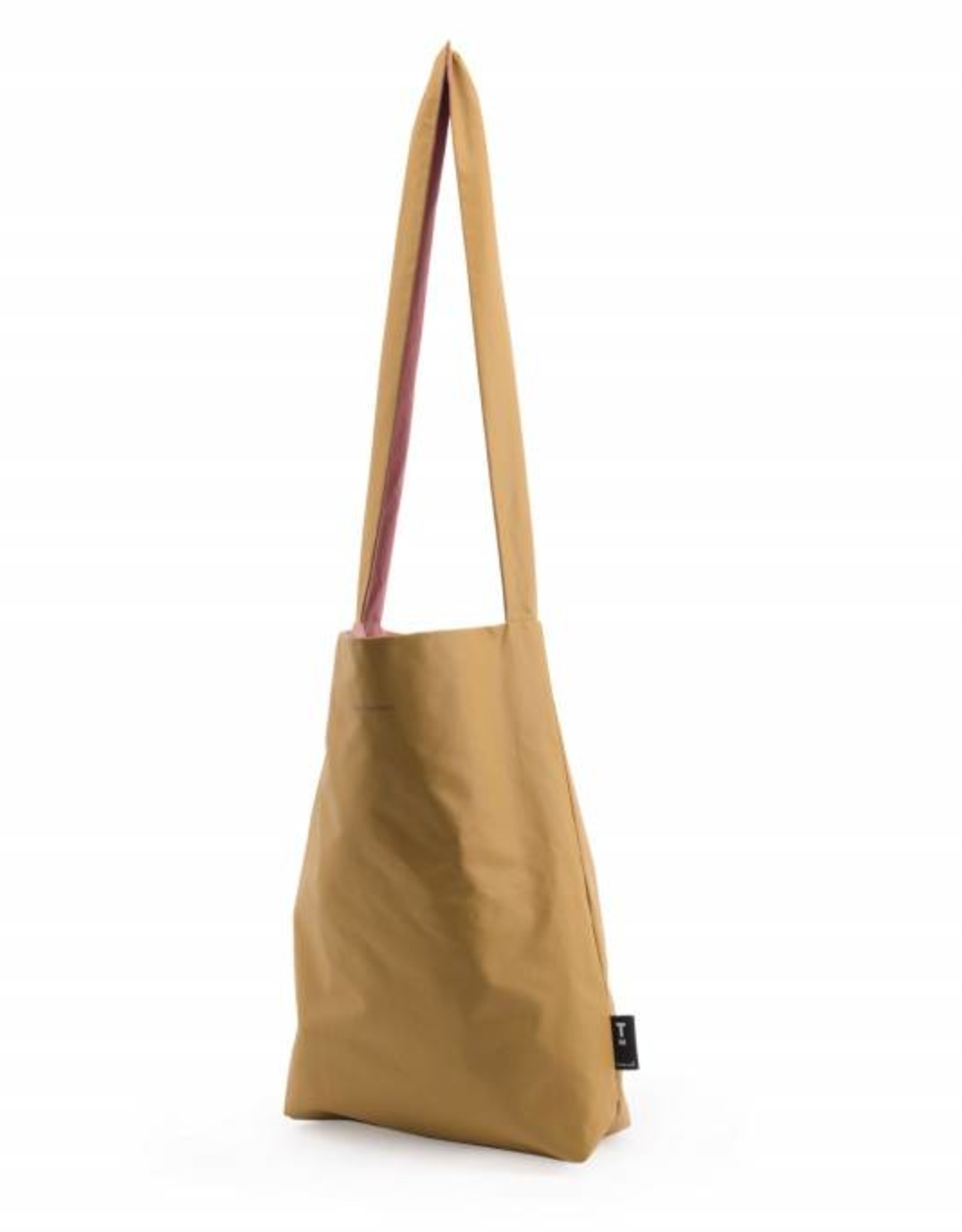 Tinne+Mia Feel Good Bag with quote-almond