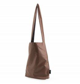 Tinne+Mia Feel Good Bag with quote-auburn