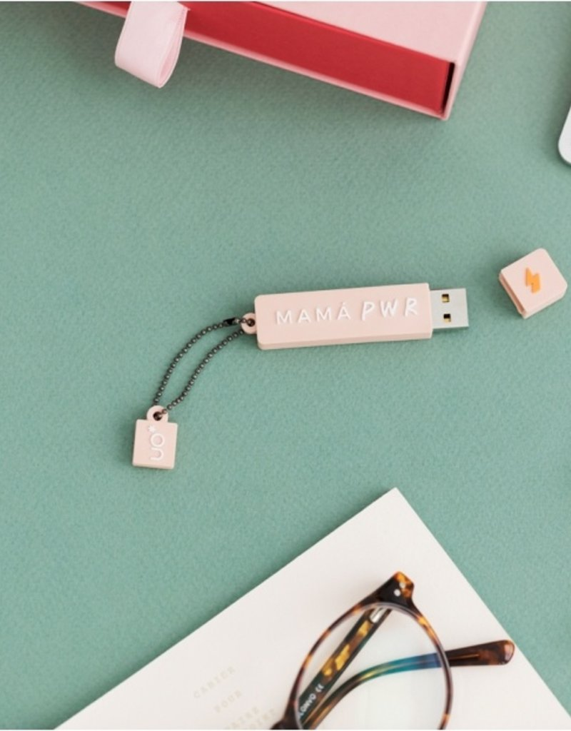 We are UO Memorystick 16GB 'Mama Power' USB 2.0-rose
