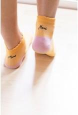 We are UO Socks 'Love Mama' size 35-38-yellow
