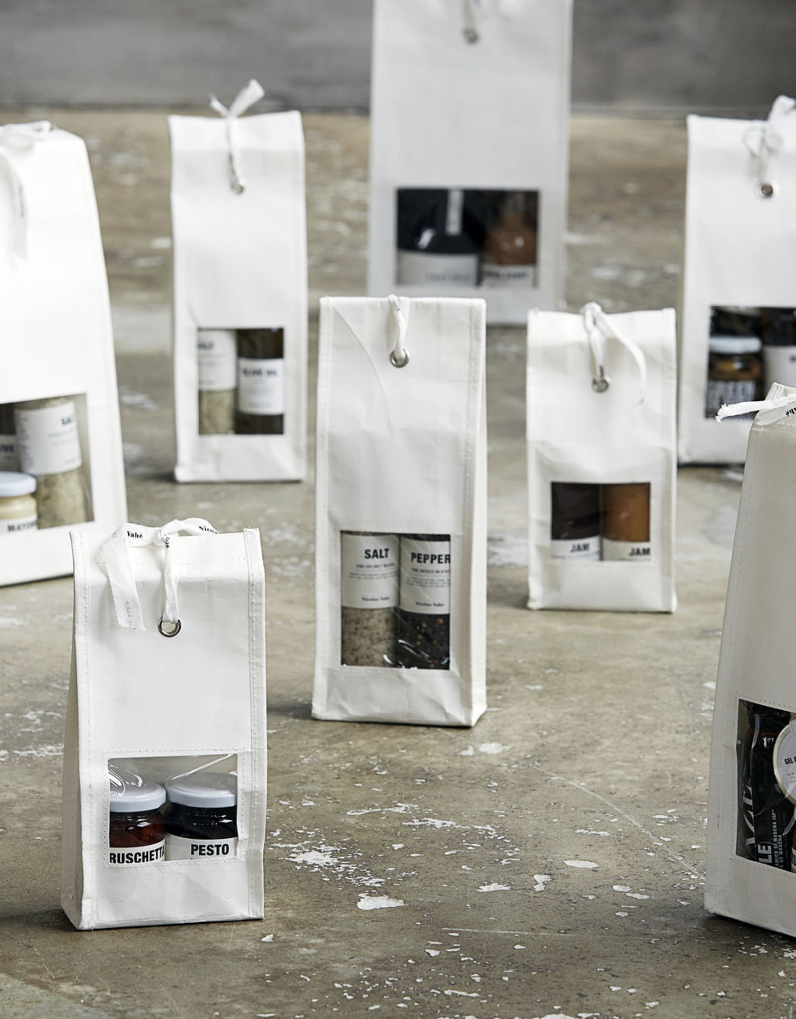 Nicolas Vahé Gift Bag-salt & pepper