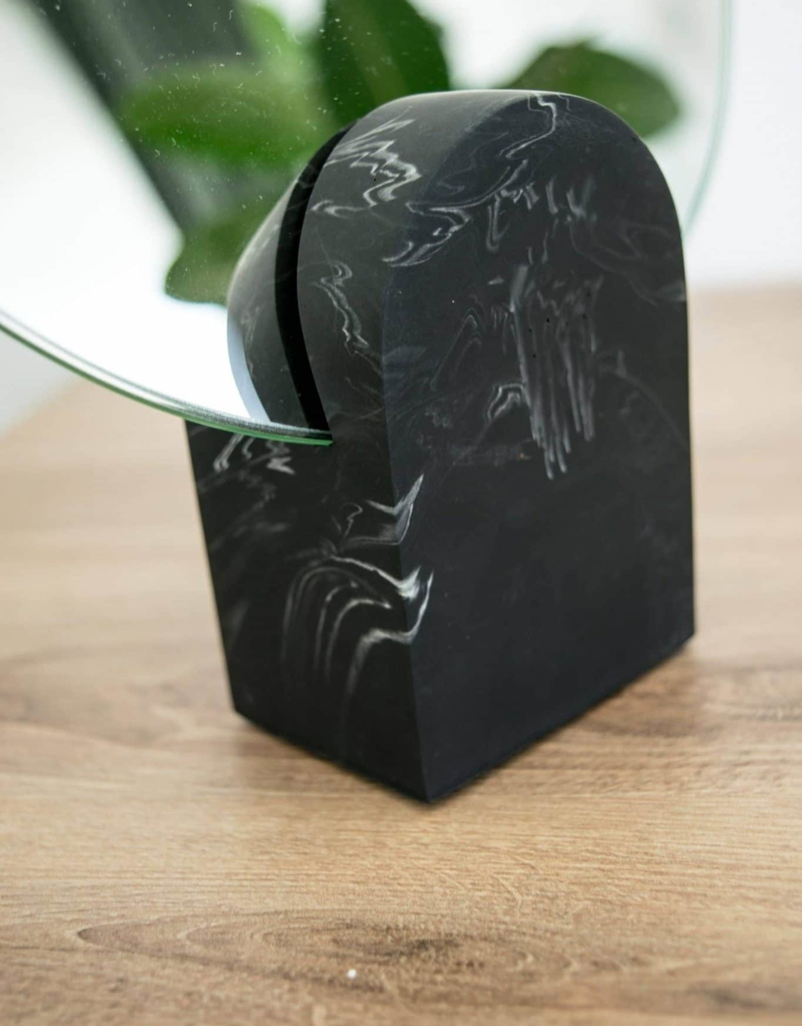 House Raccoon Archie Mirror-black marble