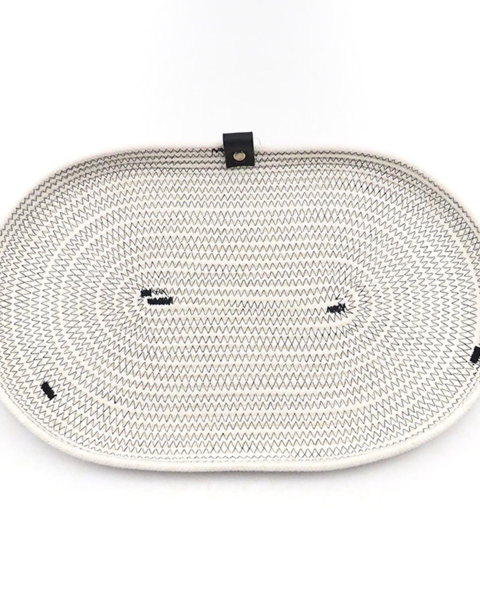 Koba Handmade Plate Oval Low-ecru/black 35x20cm