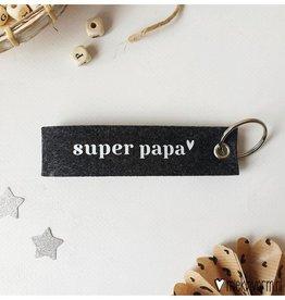 Sleutelhanger Super Papa-donkergrijs vilt