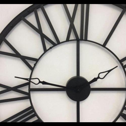 Atmosphera Créateur d'intérieur® Atmosphera Créateur d'intérieur® Wandklok Metaal Zwart - Woonkamer Klok Industrieel - Landelijke wandklok - Keukenklok - Vintage Klok Romeinse Cijfers - 36,5 cm Diameter