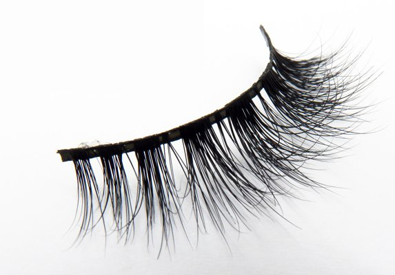 Ummu Doga Beauty Lashes CAMELIA
