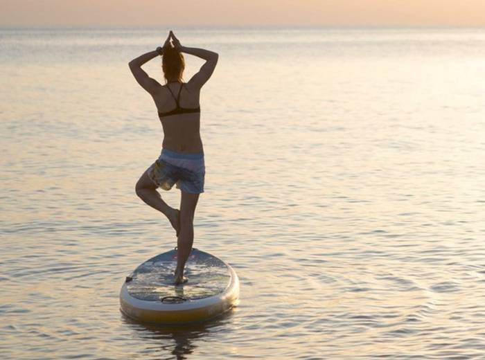The Top 5 Health Benefits of Stand Up Paddleboarding