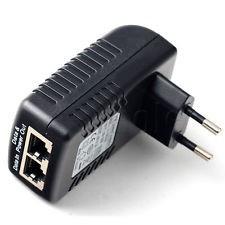 Power Over Ethernet (PoE) Adapter, om een IP camera van voeding te voorzien via de netwerkkabel. Op deze manier is geen aparte voeding bij de camera nodig. 48Volt, 0,5A  Conform IEEE802.3af PoE standaard. Automatische bepaling van de benodigde stroom...