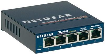 Este switch gigabit Ethernet Prosafe mais 5 port netgear GS105GE oferece o melhor desempenho e pode conectar até 10 vezes mais rápido do que Fast Ethernet. Até 60% menos consumo de energia, e o modo de activação automática economiza energia quando po ...