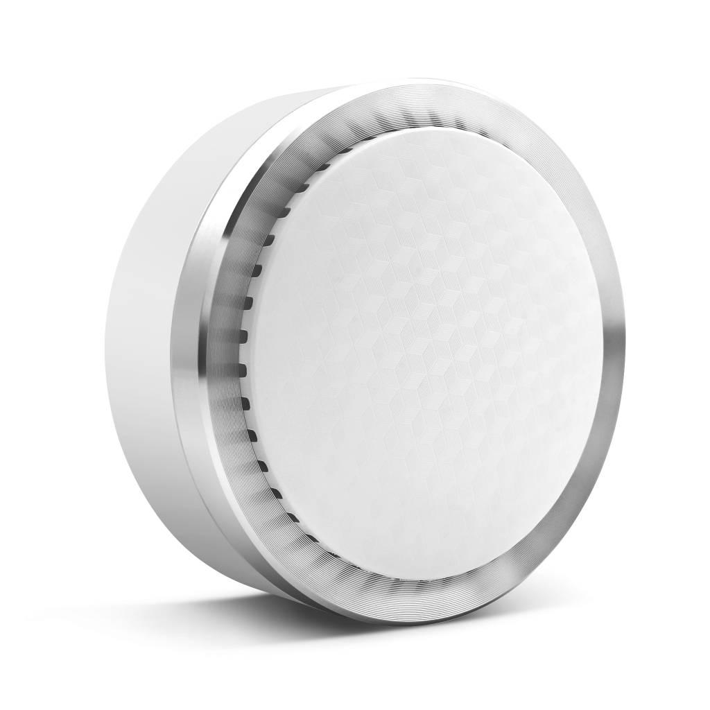 De Smanos SS-20, draadloze binnen sirene, laat zijn 90dB luide sirene klinken zodra een sensor van de K1 wordt geactiveerd om zo eventuele indringers af te schrikken. Het is aan te raden om 2 tot 4 sirenes strategisch in uw woning te plaatsen.