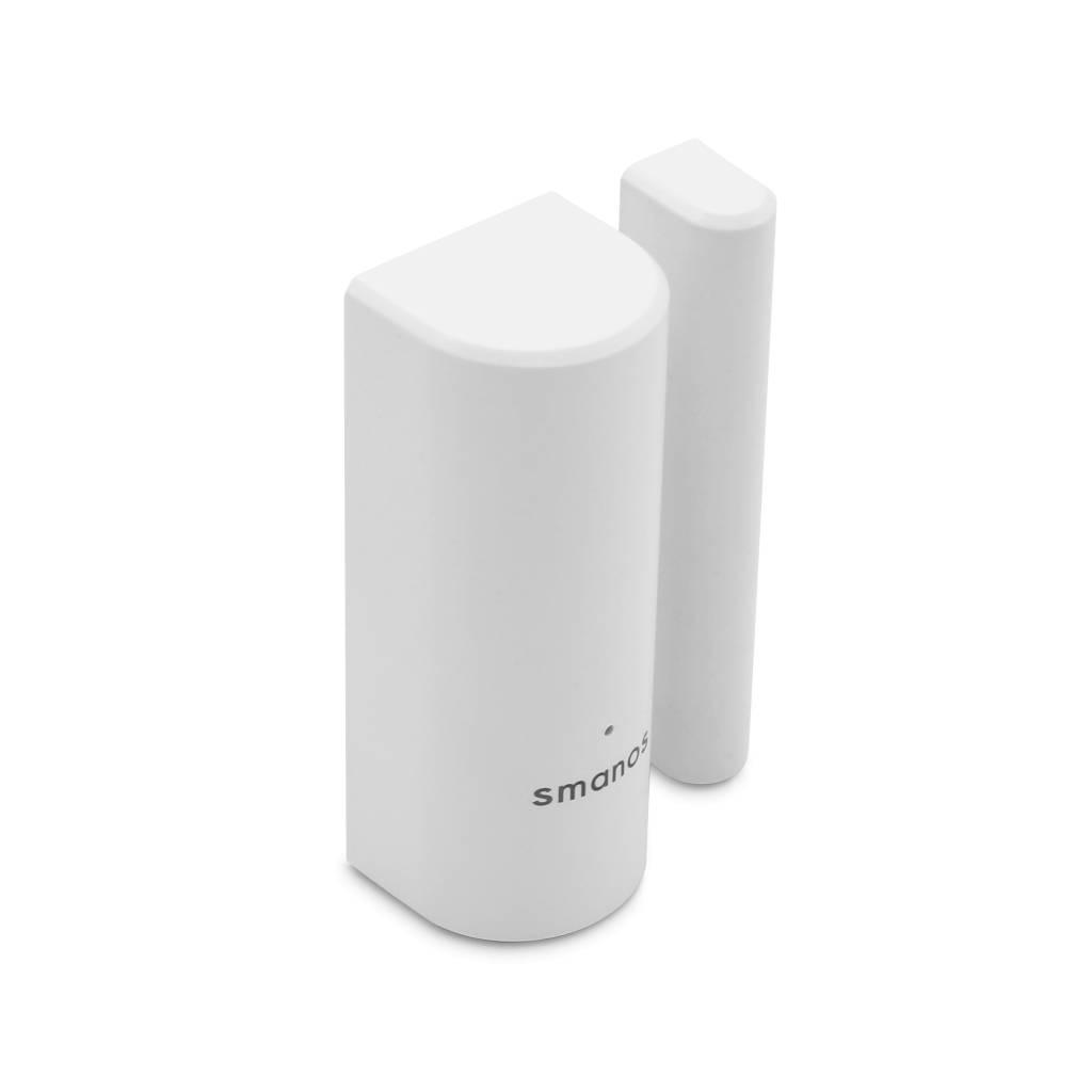 De DS-20 is geschikt om te bevestigen op een deur, raam of een ander object dat opent en sluit. Wanneer de magneet van de sensor gescheiden wordt, wordt een signaal naar het alarmsysteem gestuurd voor een passende reactie. De DS-20 is voorzien van ee...