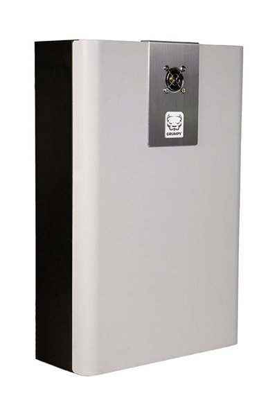 As máquinas de fumaça Grumpy 2.0 são projetadas para completar sua solução de segurança. Além de um sistema de alarme e / ou sistema de câmeras, sua propriedade permanecerá segura e o ladrão será expulso do prédio o mais rápido possível! O Grumpy 2.0 pode
