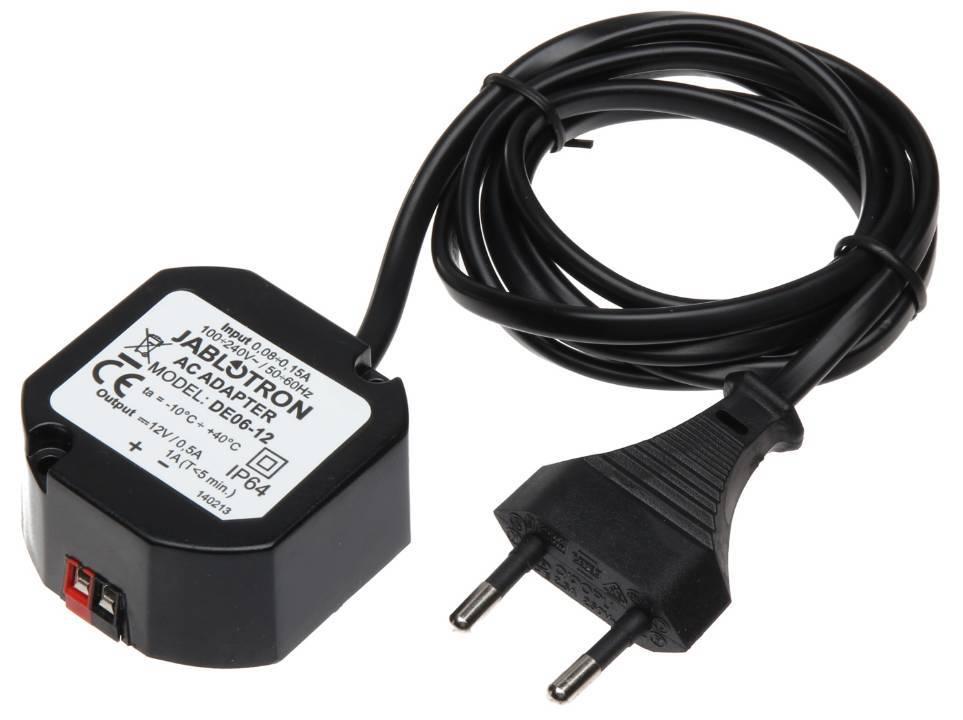 Il Jablotron DE06-12 Voeding12V / 0.5A è destinato ad alimentare un pannelli di controllo senza filo e anche per alimentare altri dispositivi 12V DC come avamposti intercomunicanti, incontro elettrico ...