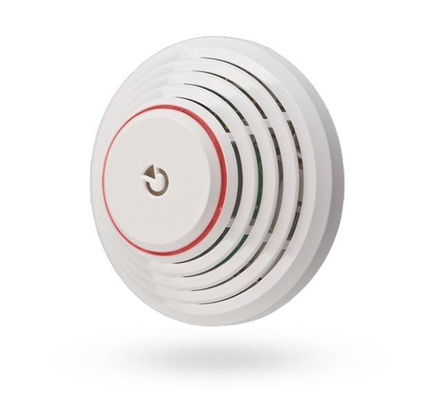 O detector de incêndio e calor sem fio Jablotron JA-151ST é projetado para a detecção de fogo através de fumaça e calor. Um alarme é sinalizado opticamente e acusticamente por uma sirene interna.