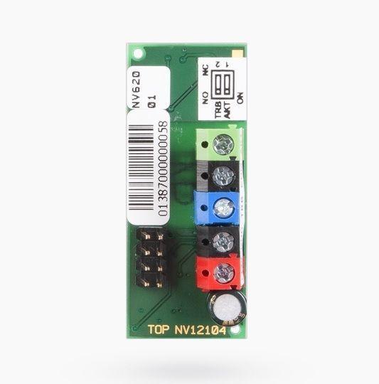 El módulo de conexión Jablotron GS-208-CO es un módulo plug-in destinado a la integración directa en el detector autónomo Ei208W Ei208DW o CO, lo que hace uso del bus, la conexión por cable es posible con una unidad de seguridad, o algún otro sistema. El